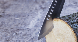 Top 10 Features of the Best Survival Machete for Preppers & Survivalists
