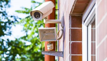 The Weekly Drop: Choosing the Right Home Security System