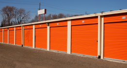 Pros and Cons of Using Storage Units for Survival
